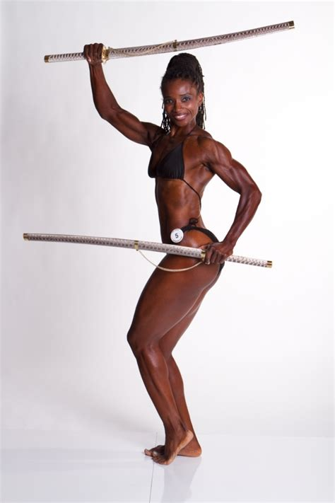 black female bodybuilder picture 1