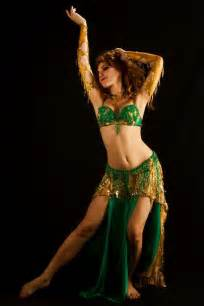 arabic women dance hot picture 5