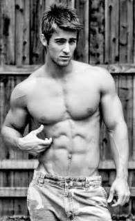 lean muscle men model picture 3