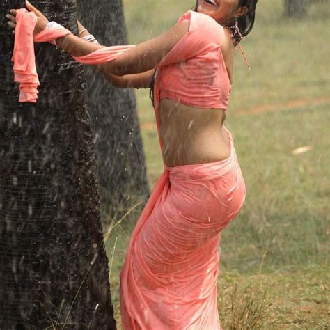 fat aunty lifts her saree to show her picture 17