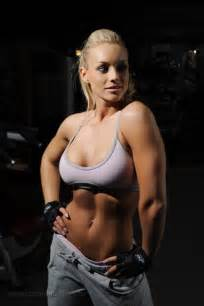 female muscle fitness models picture 18