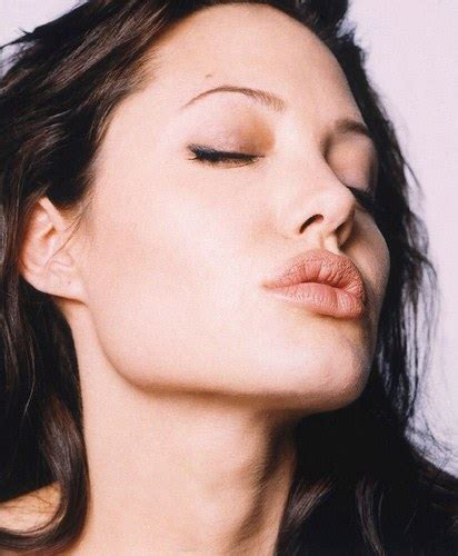 angelina joli lips are they real picture 2