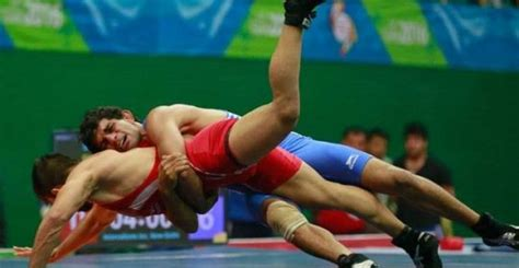 wrestlers getting erection during bouts normal picture 2