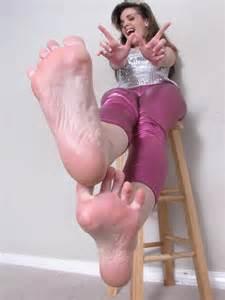 2 woman big soles comparison picture 9