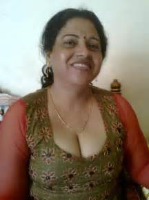 anti ki phudi r mummy pic picture 6