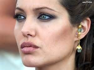 angelina jolie acne picture 9