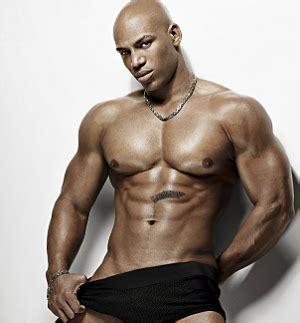 who is the black male stripper with a picture 14
