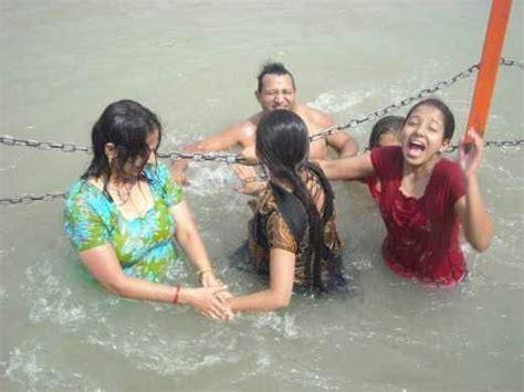 hot bathroom nangi womens picture 11