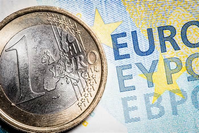 EUR/USD: Mildly bid above 1.1900 as US dollar bulls take a breather