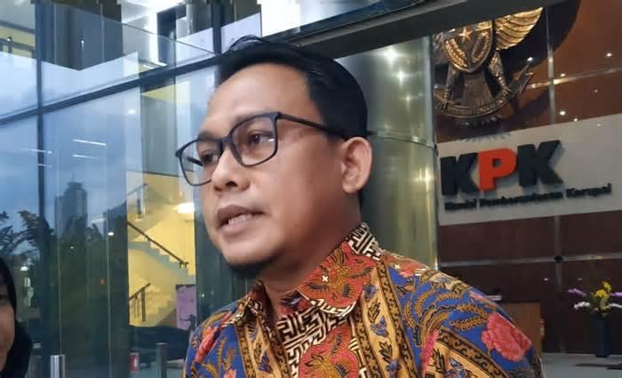 Eks Bupati Malang Rendra Kresna Dijebloskan ke...