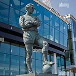 Statue of Bobby Moore, Wembley