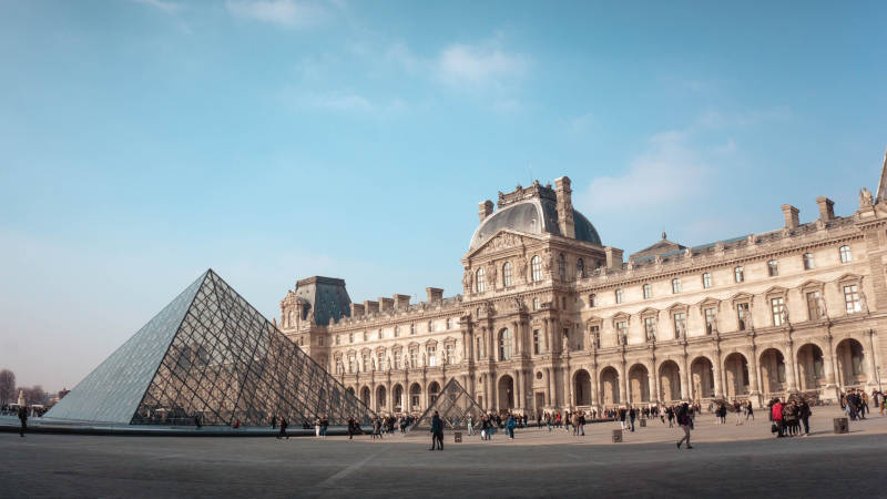 Promoted image with Louvre