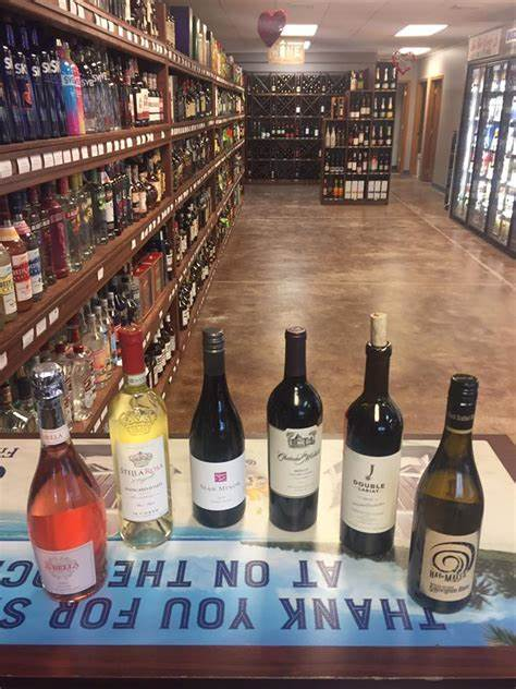 On The Rocks - Liquor Store | 4010 10th St, Great Bend, KS, 67530 | +1 (620) 603-6433