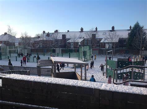 Kelvin Grove Community Primary School | Kelvin Grove, Gateshead NE8 4UN | +44 191 477 4186