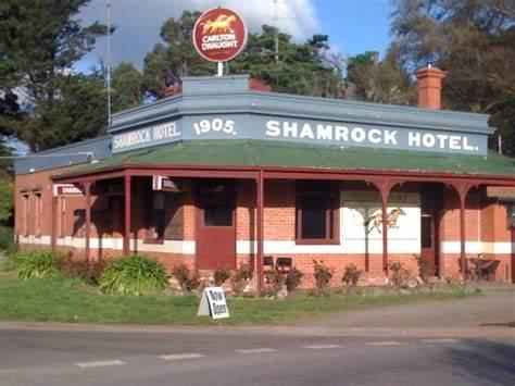 Shamrock Hotel Dunnstown - Official | 1 Dunnstown-Yendon Road, Dunnstown, Victoria 3352 | +61 3 5334 7066