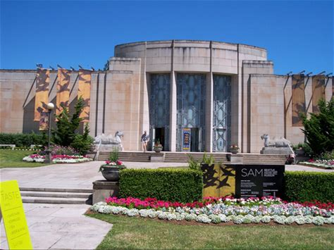 Learn more about Seattle Asian Art Museum