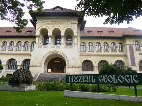 Learn more about Muzeul National de Geologie