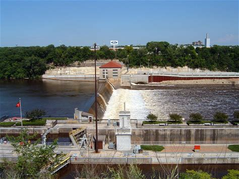 Learn more about Lock and Dam No. 1
