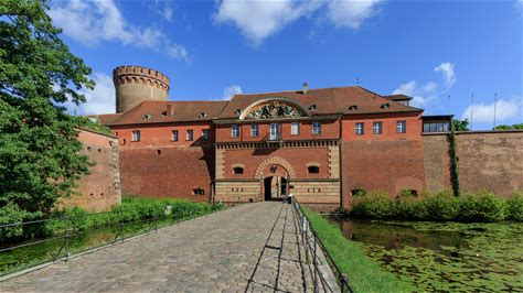 Learn more about Spandau Citadel