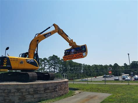 Learn more about Diggerland USA