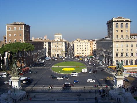 Learn more about Piazza Venezia