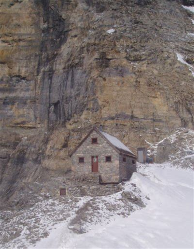 Learn more about Abbot Pass hut