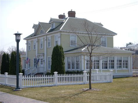 Learn more about Longfellow House
