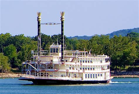 Learn more about Showboat Branson Belle