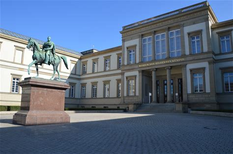 Learn more about Staatsgalerie Stuttgart