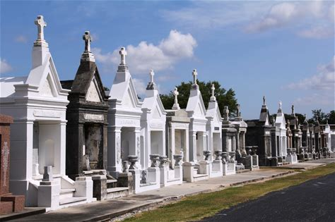Learn more about Saint Louis Cemetery
