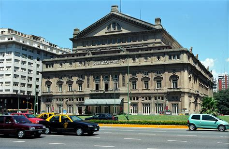 Learn more about Teatro Colón