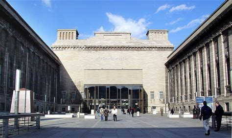 Learn more about Pergamon Museum