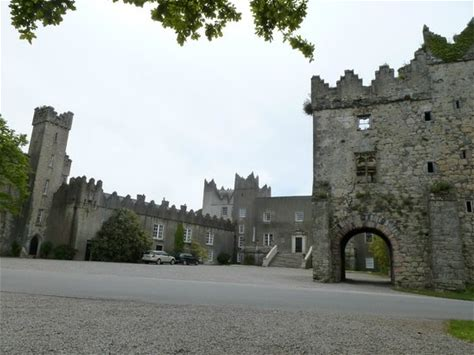 Learn more about Howth Castle
