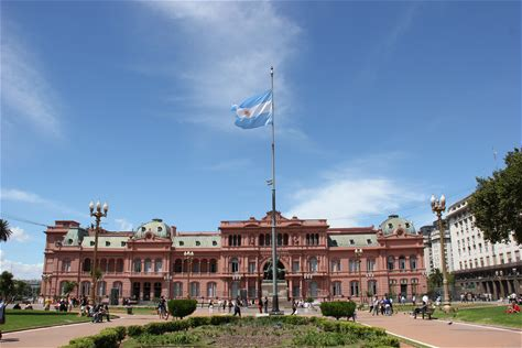Learn more about Casa Rosada