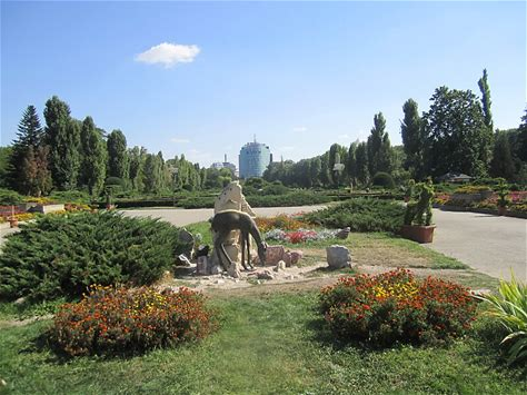 Learn more about Herăstrău Park