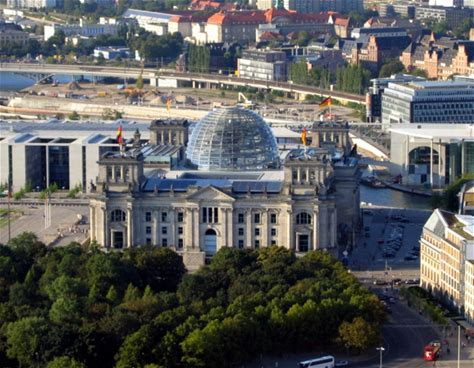Learn more about Reichstag dome