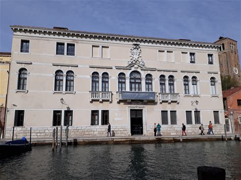 Learn more about Murano Glass Museum