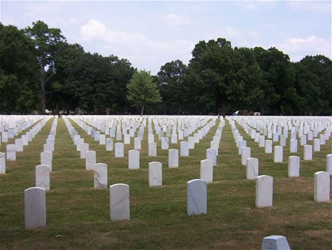 Learn more about Memphis National Cemetery