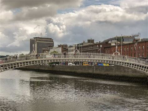 Learn more about Ha'penny Bridge