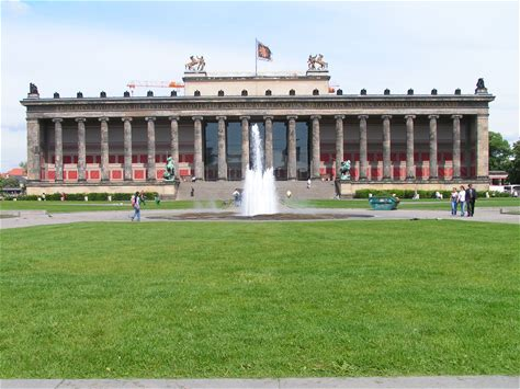 Learn more about Altes Museum