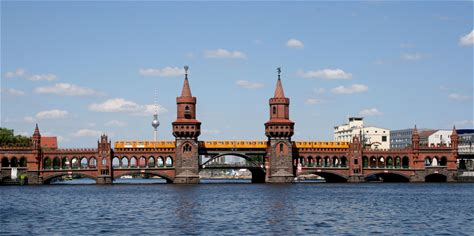 Learn more about Oberbaum Bridge