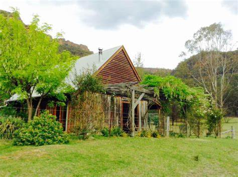 """Wolgan Valley Escapes - """"The Barn"""" Holiday Accomodation 