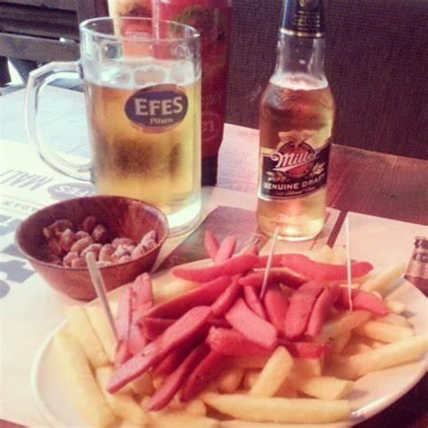 İlk Vapur 2   Caferağa 55 Güneşlibahçe Sokak, 34710 Kadıköy/İstanbul   +90 216 336 18 66