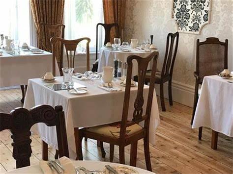 Hotel Carlton   6 Dane Road, Fistral Beach, Newquay TR7 1HL   +44 1637 872658