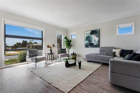 First National Real Estate Meadow Heights   17/55 Paringa Blvd, Meadow Heights, Victoria 3048   +61 3 9309 6000