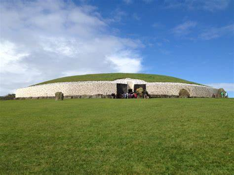 Knowth | Drogheda | +353 41 988 0300