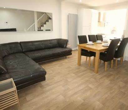 Durham University Student House / Accommodation. Church Street | 26 Church Street Head, Durham DH1 3DN | +44 191 384 9400