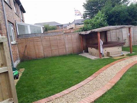 Mr Weeds Lawn Treatments mrweeds.wix.com/mrweeds   Esh Winning, Durham DH7 9LZ   +44 7452 898500