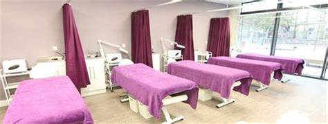 Bradford College Hairdressing, Beauty Therapy And Spa | The David Hockney Building, Great Horton Road, City Of Bradford BD7 1AY | +44 1274 436114