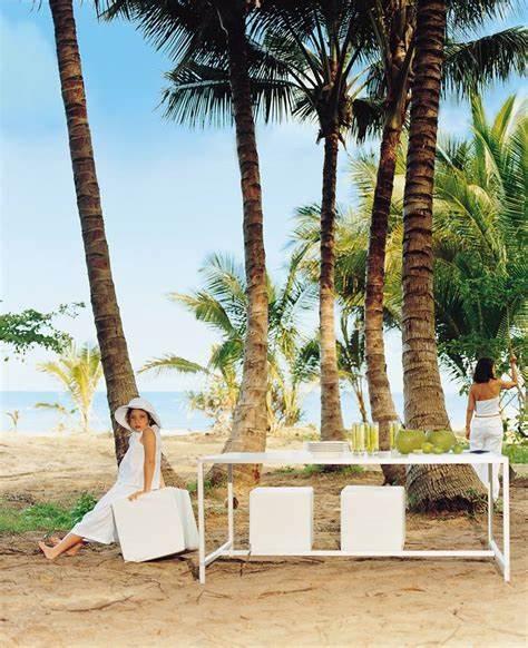Thirty One Degrees - Contemporary Hotels | 31 Oak Street, Oak Beach, Queensland 4877 | +61 2 9331 2881